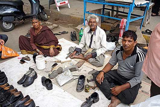 バンガロール 靴の修理屋さん