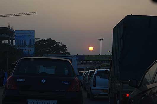 バンガロール 夕暮れの渋滞