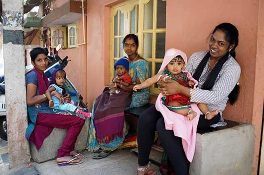 バンガロール お母さんと子供達
