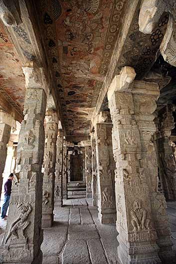 Virabhadra Swamy Temple @ Lepakshi