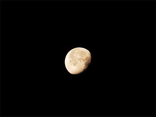 2014年4月19日早朝の月