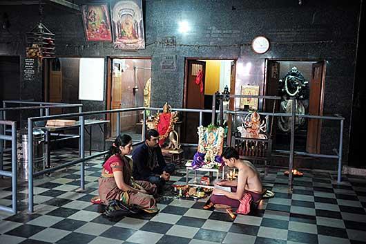 バンガロール  金色&桃色寺院