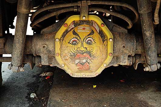 バンガロール トラックのデフに描かれた鬼