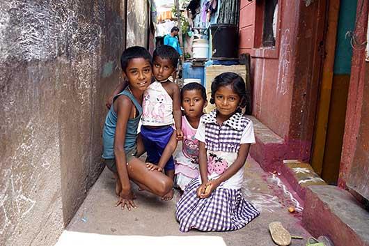 バンガロール トタン屋根が並ぶ地域