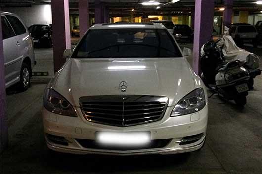 バンガロール 駐車場のお隣さん