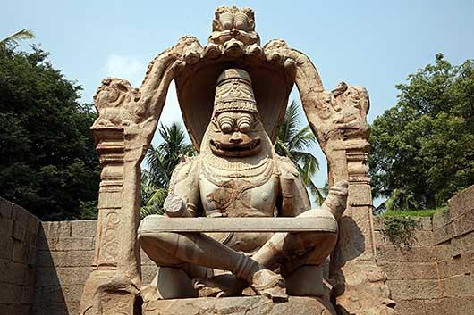 ハンピ   Lakshmi Narasimha Temple