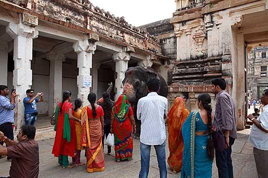 ハンピ Virupaksha Temple