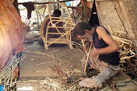 バンガロール 椅子作り
