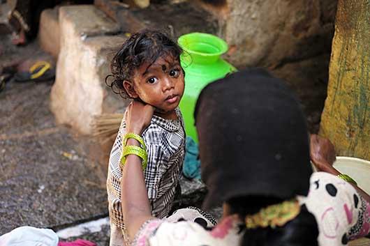 バンガロール 貧困地域の子