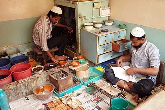 バンガロール 金製品・銀製品の磨き屋