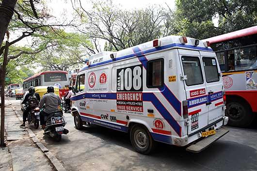 バンガロール 救急車
