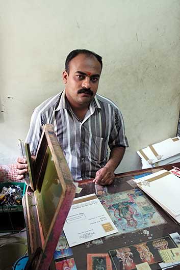 バンガロール 街の印刷屋のおやじ