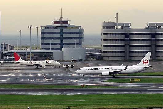 JAL Embraer 170