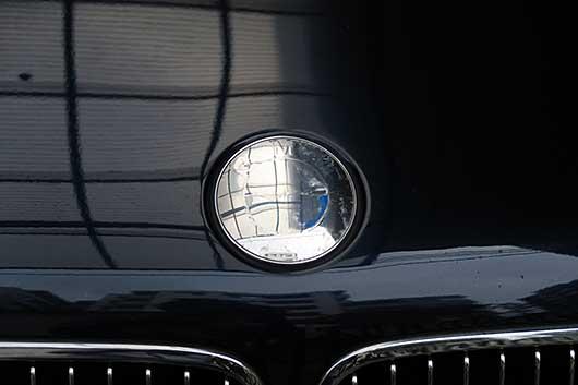 BMWのエンブレムがはがれた