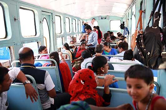 ニルギリ山岳鉄道 Coonoor-Udhagamandalam