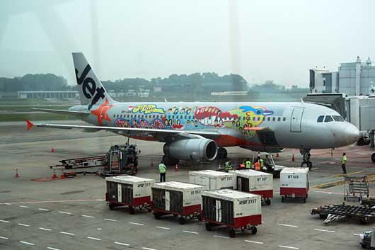 東京 Jet Star Asia 特別塗装機